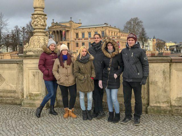 Látogatók a lettországi Aizkraukléból