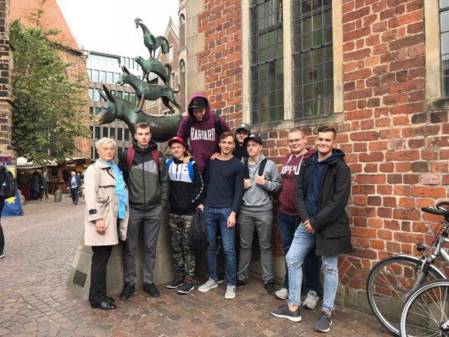 Látogatók Kandavából, Lettországból